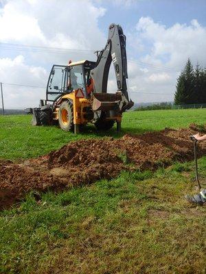 Demontaż lini napowietrznej NN i budowa lini kablowej NN przy Szkole Podstawowej w Broniszowie