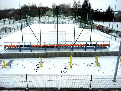 Budowa boiska wielofunkcyjnego i siłowni terenowej przy Szkole Podstawowej w Broniszowie