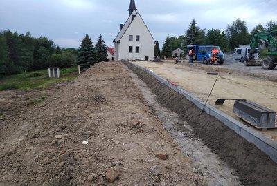 Budowa parkingu dla celów budynku wielofunkcyjnego w Broniszowie